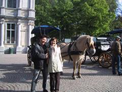 ベルギー・ブルージュにて、妻と(2004-05-05)