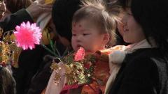 愛知縣護國神社での稚児行列での美和子とみどり