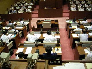 安城市自治基本条例を可決した安城市議会