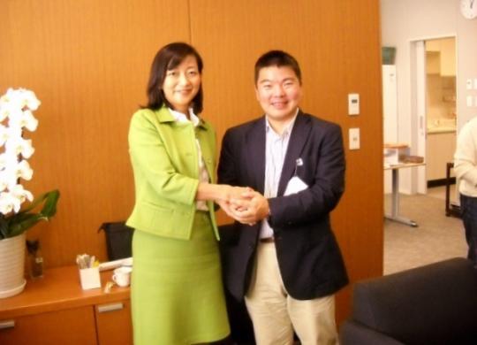 牧山ひろえ参議院議員と参議院議員会館でお会いしてきました。