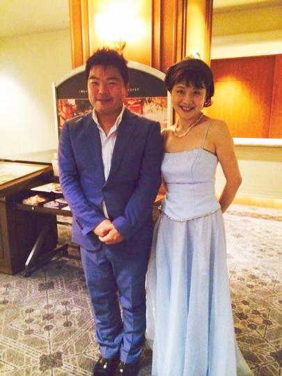 ハープ奏者の神谷朝子さんとともに