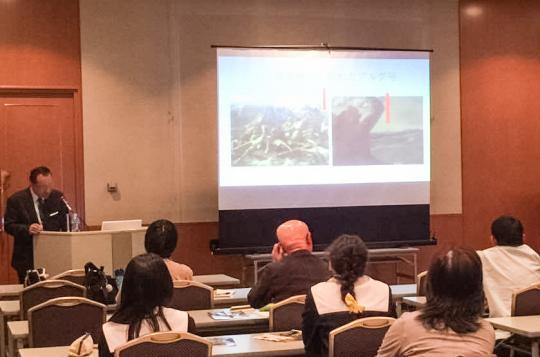 講演には東京芸大を目指す女子高校生2人の参加もあり熱心にメモを取られていました。
